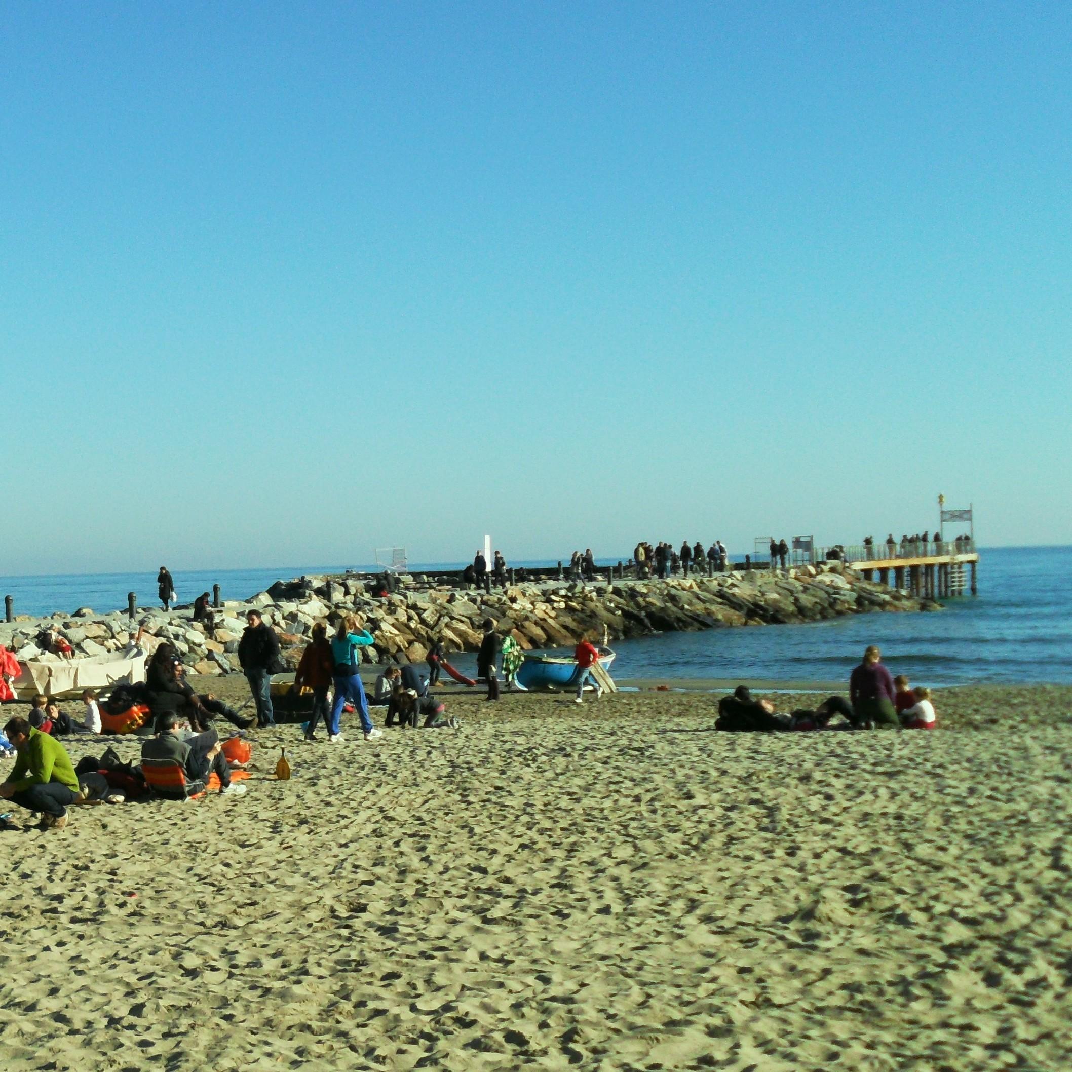Laigueglia spiaggia nelle feste
