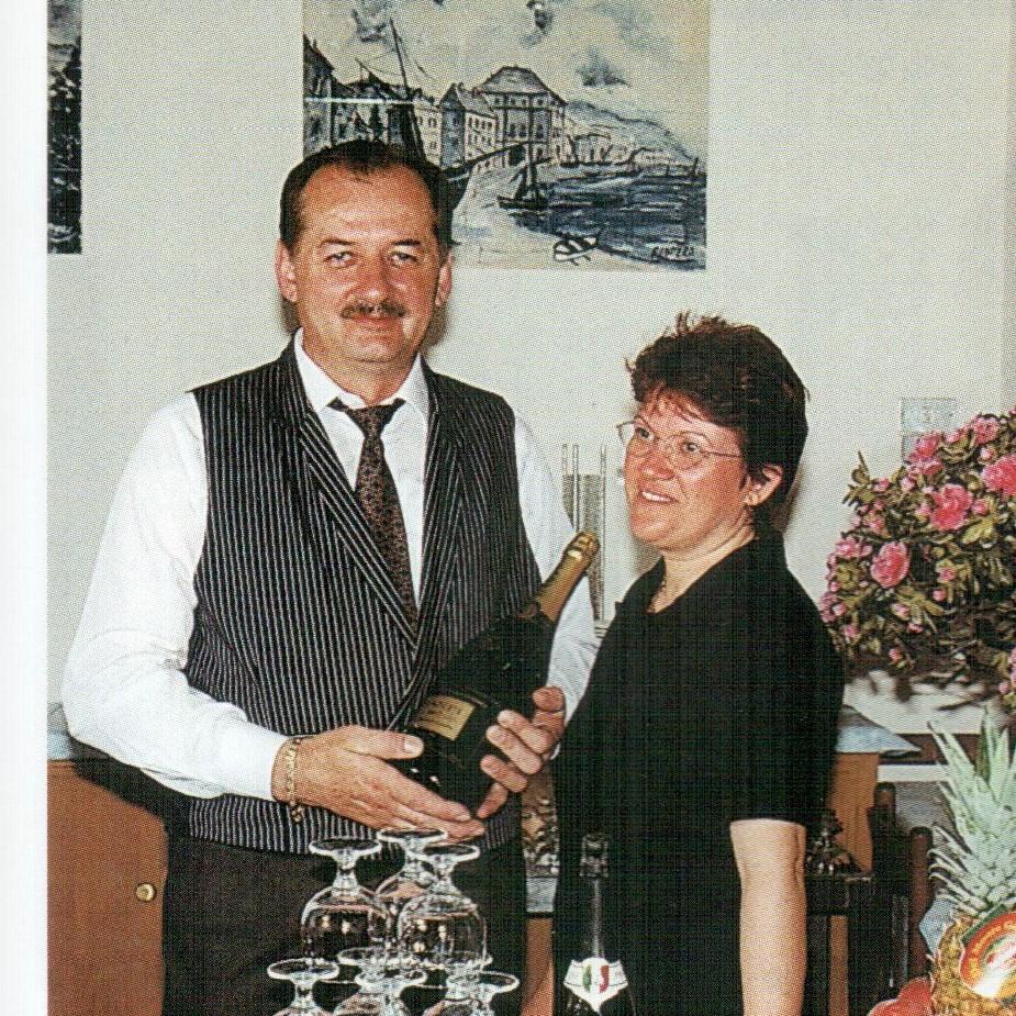 Gianmpiero Forzati e la moglie Claudia nel 1998