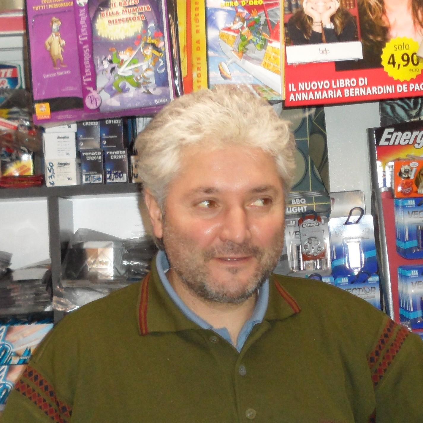 Massimo Alessi edicolante a Borghetto S. Spirito