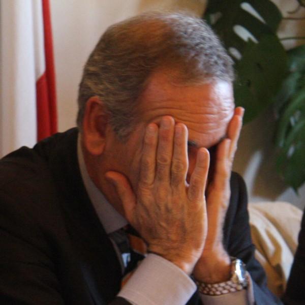 Luigi De Vincenzi, nella foto di Fasano, quando era sindaco