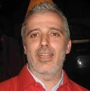 E' il sindaco ribelle di Pontinvrea, un paese con una storia di sindaci lic-lac, almeno lui si batte per l'indipendenza da Roma sui temi fiscali e soldini: compie 45 anni il 4 luglio