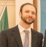Il sindaco Mauro Demichelis al centro, i giornalisti Cristiano Bosco (a sn) e Martern van Alderen che ha pubblicato un servizio su Andora ed il gioiello Colla Micheri