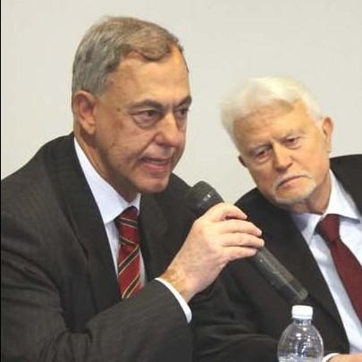 L'ex presidente del tribunale di Savona Giovanni Soave con l'ex procuratore capo della Repubblica Giancarlo Caselli (foto Silvio Fasano)