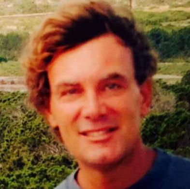 L'avvocato Rodolfo Nicola, sorridente e in salute, in una foto di qualche anno fa