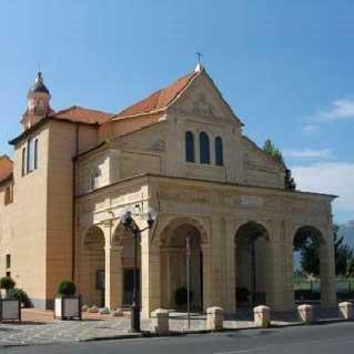 Albenga: 24 ore di preghiera e adorazione non stop al Santuario di Pontelungo