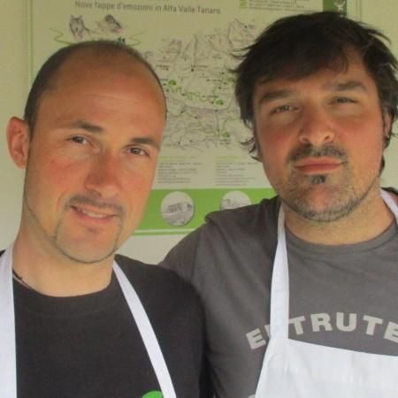 Danilo e Gianluca, amici che hanno 'adottato' il rifugio di Chionea e cucinano per 15 clienti